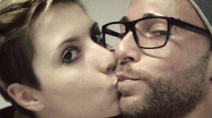 Ivan Cottini con la compagna Valentina che a settembre darà alla luce la loro figlia