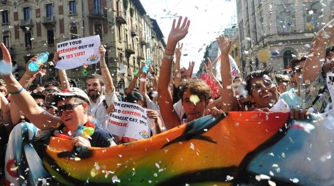 Giovani in corteo al Gay Pride