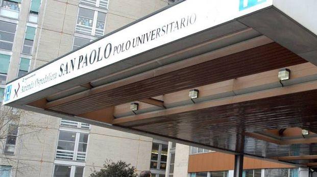 L'ingresso dell'ospedale San Paolo di Milano