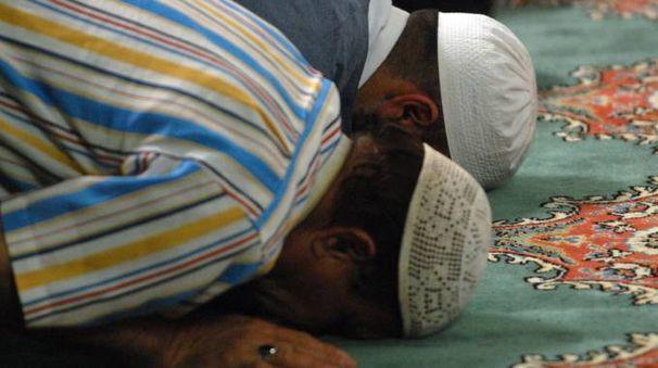 Islamici in preghiera