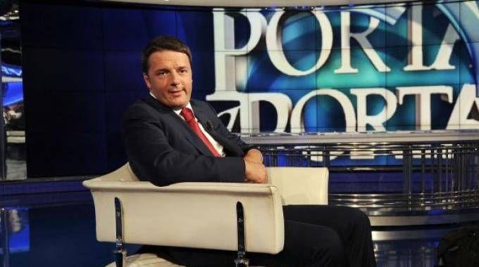 Matteo Renzi ospite di 'Porta a Porta' (Foto LaPresse)