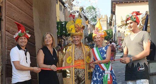 La meraviglia di The Magic Castle a Gradara fino a mercoledì 12 agosto. L'inaugurazione con il sindaco Franca Foronchi