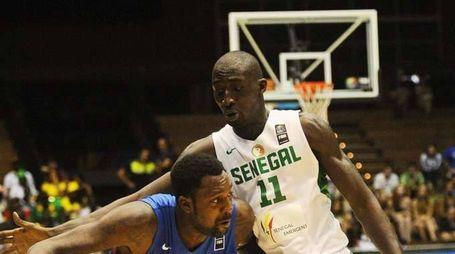 Basket: Varese ingaggia senegalese Faye (foto Ansa)