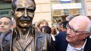 Con la statua di Montalbano - Ansa