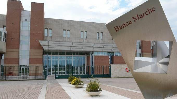 Jesi (Ancona), Banca Marche (Fotobinci)