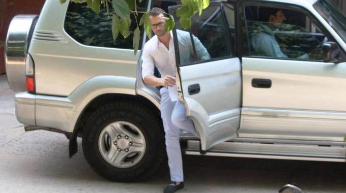 Salvatore Girone esce dal commissario di polizia di Chanakyapuri (Ansa)