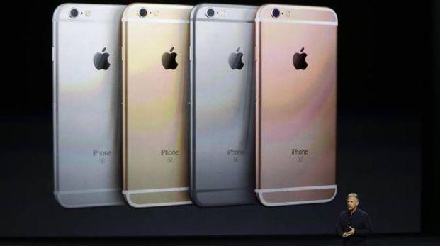 iPhone 6s in quattro colori (Ansa)