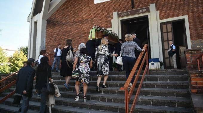 Il funerale dell'ex operaio