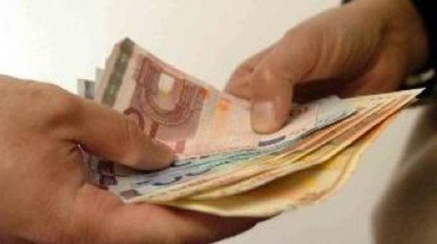 Il passaggio dei soldi di un'estorsione (foto archivio)