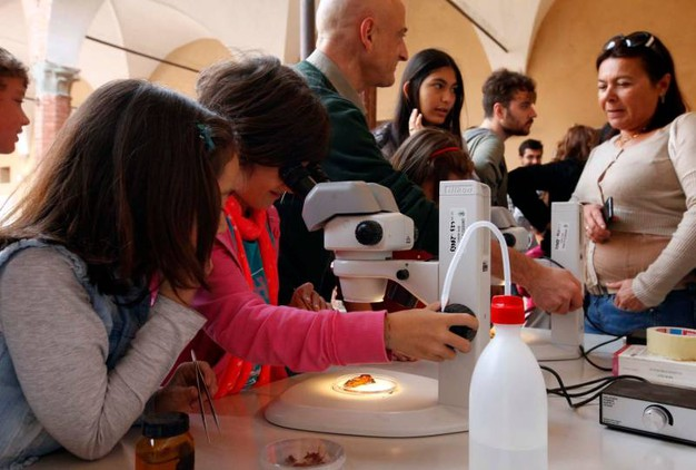 'Bright', le meraviglie della ricerca invadono Siena (Foto Paolo Lazzeroni)