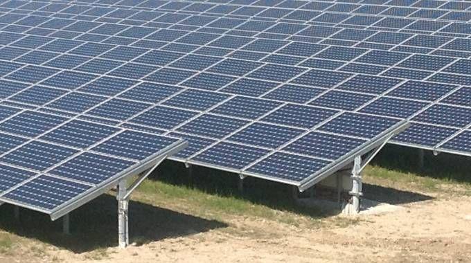 Un impianto fotovoltaico (Foto di repertorio Piazza)