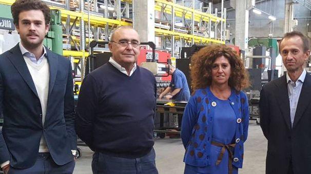 Da sinistra, Alessandro Ansaloni (26 anni), suo padre Raffaele (61) e sua madre Paola Generali (56)