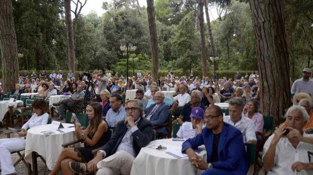Il pubblico al Caffé La Versiliana
