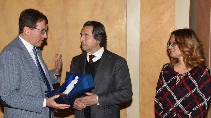Da sinistra: il sindaco di Modena,  Giancarlo Muzzarelli, Riccardo Muti e Nicoletta Mantovani (Foto Fiocchi)