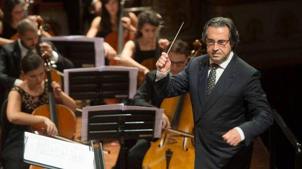 Riccardo Muti sul palco (foto Rolando Paolo Guerzoni)