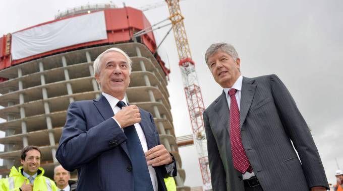 Il sindaco di Milano, Giuliano Pisapia e Gabriele Galateri di Genola, presidente Generali