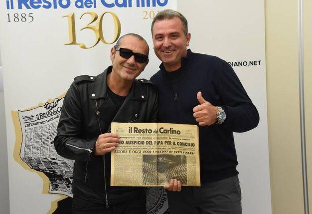 Luca Carboni e il suo 'vice per un giorno', Antonio Tortora (FotoSchicchi)