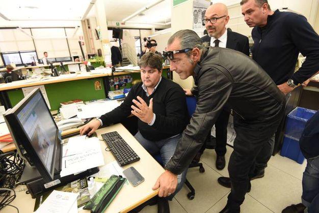Il capo della redazione di Bologna, Valerio Baroncini, Luca Carboni e i due vice direttori per un giorno, Paolo Gatti della Banca di Bologna e Antonio Tortora (FotoSchicchi)