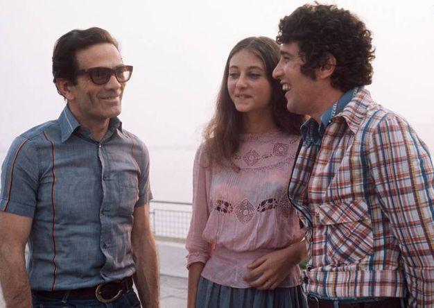 Con Ninetto Davoli e Tessa Bouche sul set de 'Il fiore delle mille e una notte' (Afp)