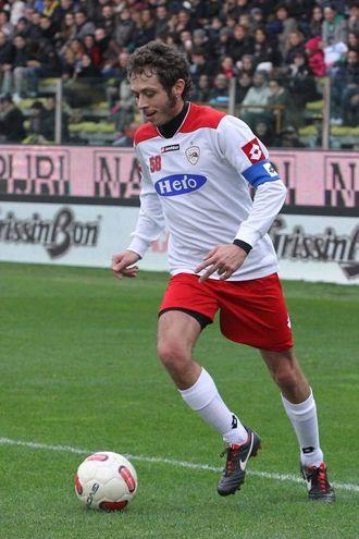 2013, capello 'cotonato' e basetta lunga a Parma per la partita in ricordo del Sic