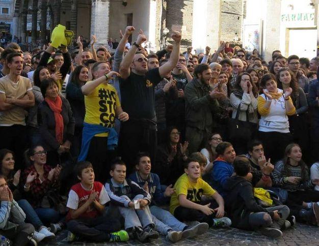 Tifosi su di giri (Foto di Tiziano Mancini)
