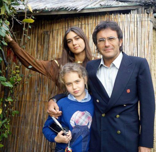 Ylenia nell'82 con mamma e papà (Wirefoto)