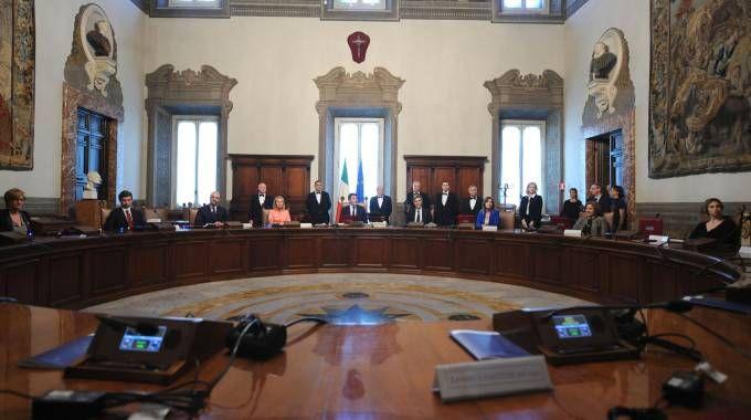 Il Consiglio dei Ministri presieduto da Matteo Renzi (Foto Imagoeconomica)