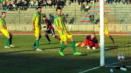 Un gol della Civitanovese (foto Vives)
