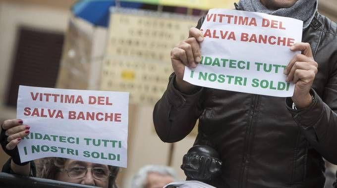 Banche, la manifestazione dei piccoli azionisti (Ansa)