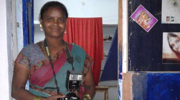 Una delle donne indiane che all'inizio hanno beneficiato di questa iniziativa per avviare un'attività in proprio