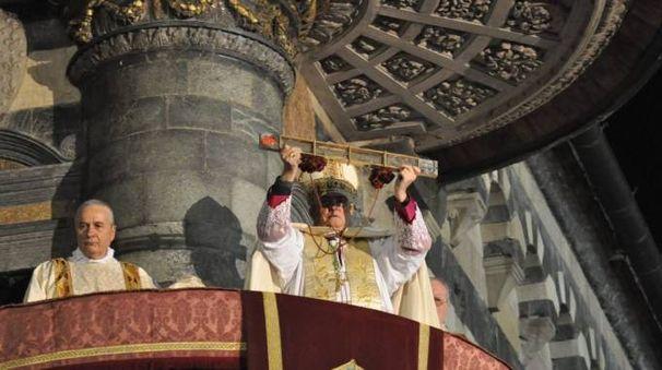 L'ostensione dal pulpito di Donatello (foto Pecchioli/Attalmi)