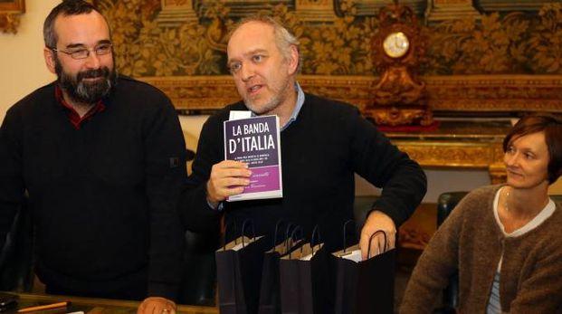 Ferrara, Tiziano Tagliani con il libro 'La banda d'Italia' (Foto Businesspress)