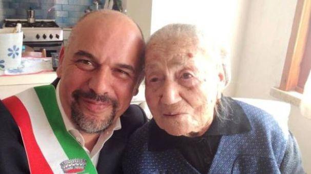 Pina Projetto col sindaco di Montelupo Paolo Masetti (foto Gianni Nucci/Germogli)