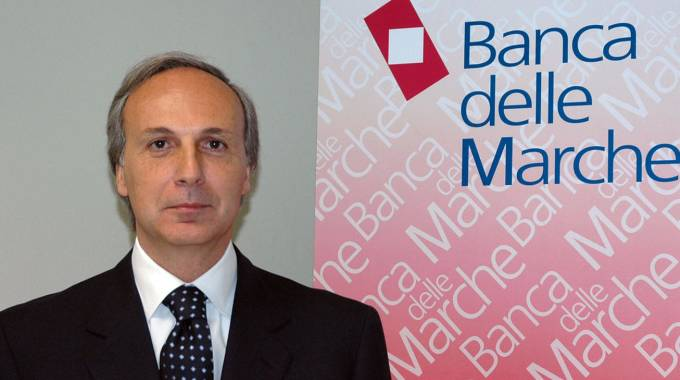 L'ex direttore generale di Banca Marche