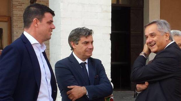 SODDISFATTI Boris Rapa,  Massimo Seri e Renato Claudio Minardi. Sopra, il presidente della Provincia Daniele Tagliolini