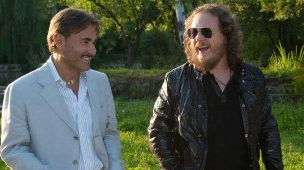 L'avvocato Valerio Corini con Zucchero Fornaciari di cui conosceva bene anche la compagna Francesca