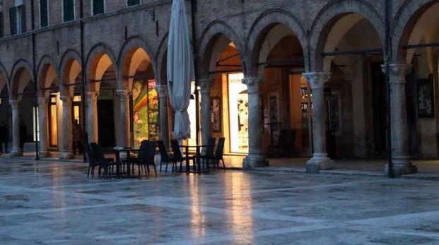 Ascoli, piazza del Popolo (Foto Labolognese)