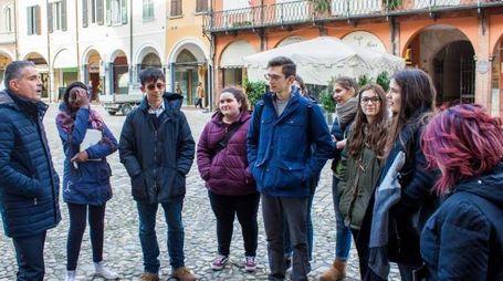 I ragazzi del Monti col sindaco Paolo Lucchi