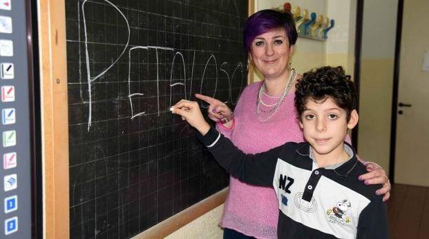 Matteo e la maestra Margherita Aurora (foto Businesspress)
