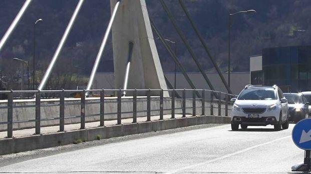 Il ponte di Mantello (National Press)