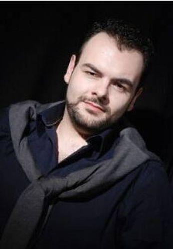 Il tenore Giulio Pelligra è il conte Almaviva
