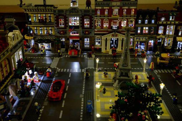 La città di lego illuminata / Rossi
