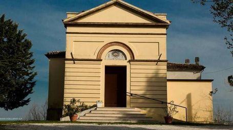 La chiesa di San Lorenzo in Scanno contiene anche un affresco dell'artista cesenate Ilario Fioravanti
