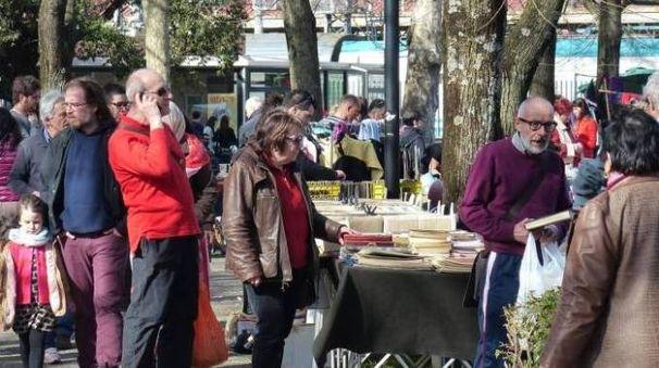 Mercatino delle pulci ecco le date via alle quattro for Arezzo mercatino