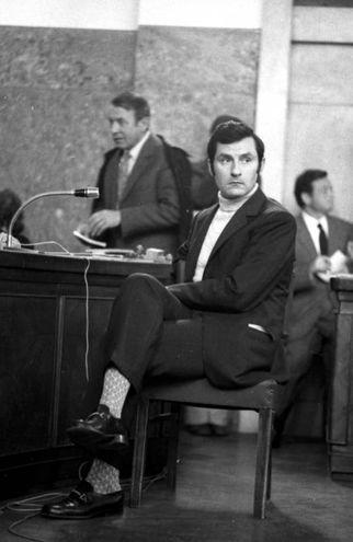 COMMISSARIO LUIGI CALABRESI DURANTE LA DEPOSIZIONE