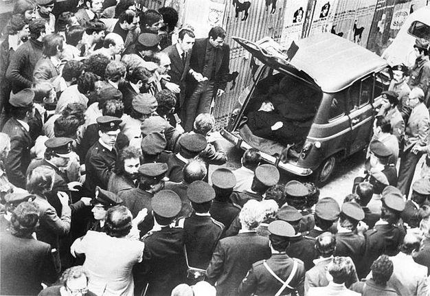 Il ritrovamento del cadavere dell'onorevole Aldo Moro, ucciso dalle Brigate Rosse