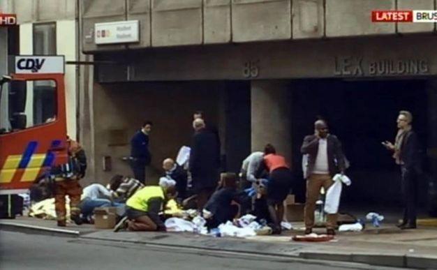 L'attentato alla metropolitana di Bruxelles (Ansa/Sky)