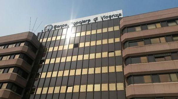 La sede della Bpv (Ansa)