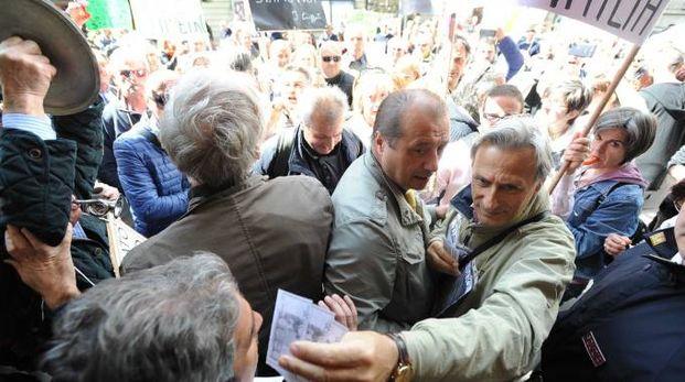 LA PROTESTA IN PIAZZA_13378090_034811