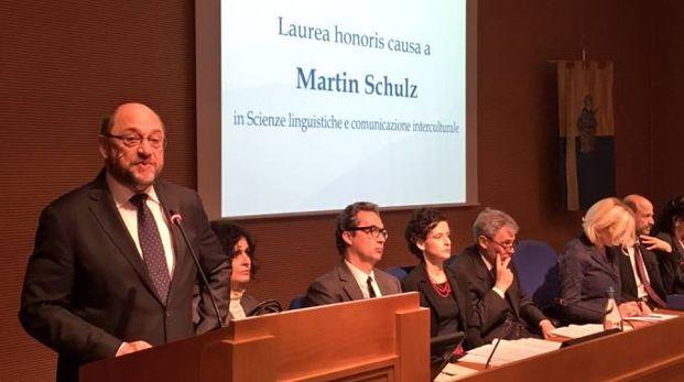 La laurea a Martin Schulz (foto Lazzeroni)